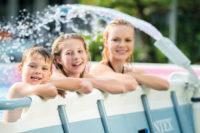 Vodní fontána k bazénu s LED osvětlením
